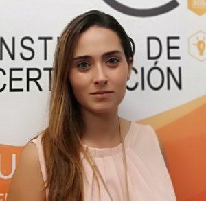 Sandra Ausell, técnica de Certificación en IVAC