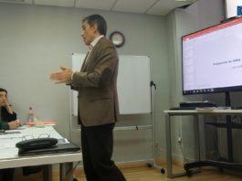 Juan Luis Rubio imparte una clase sobre ciberseguridad en el curso de DPD